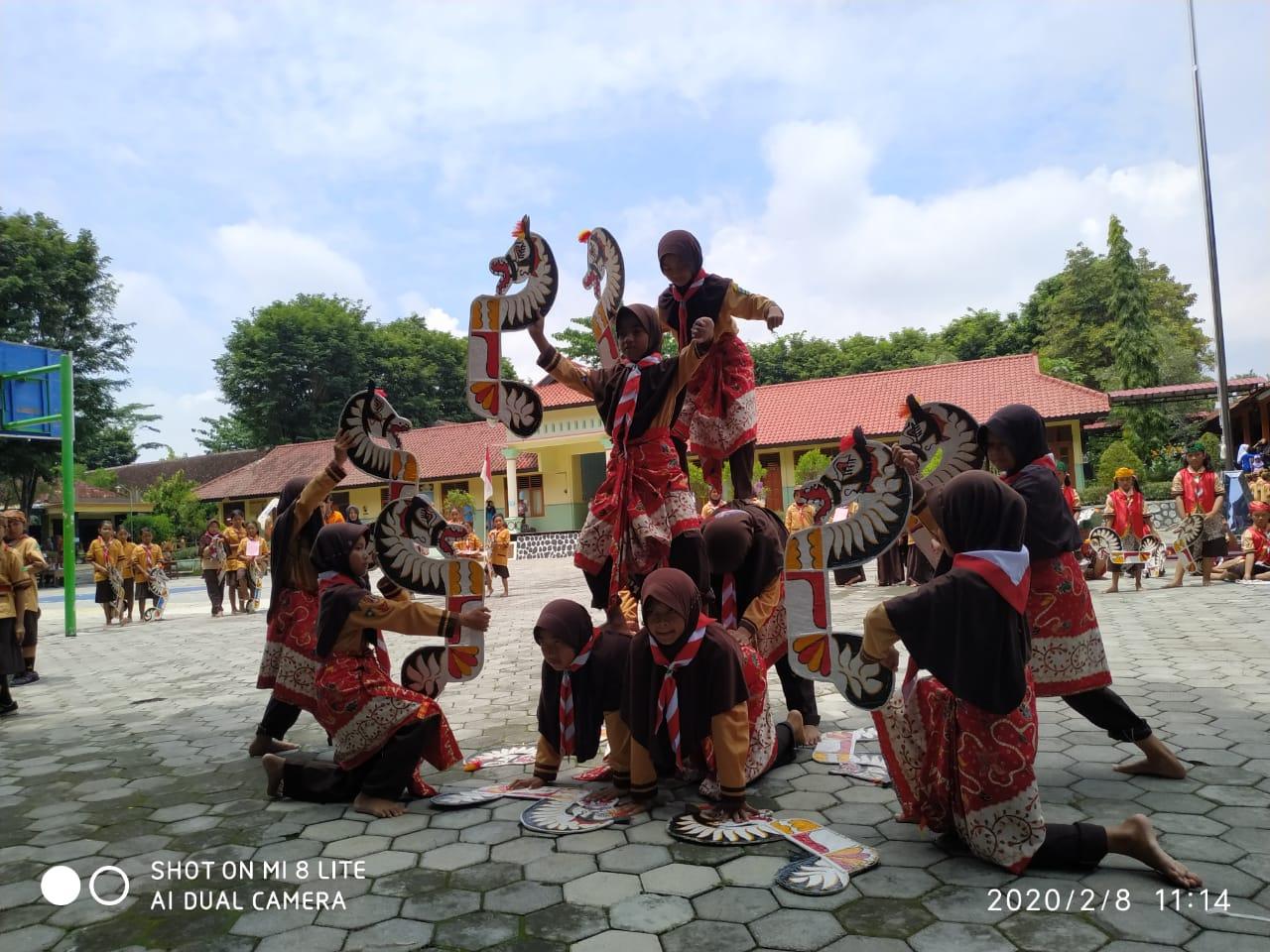 Team Pramuka Siaga Putri